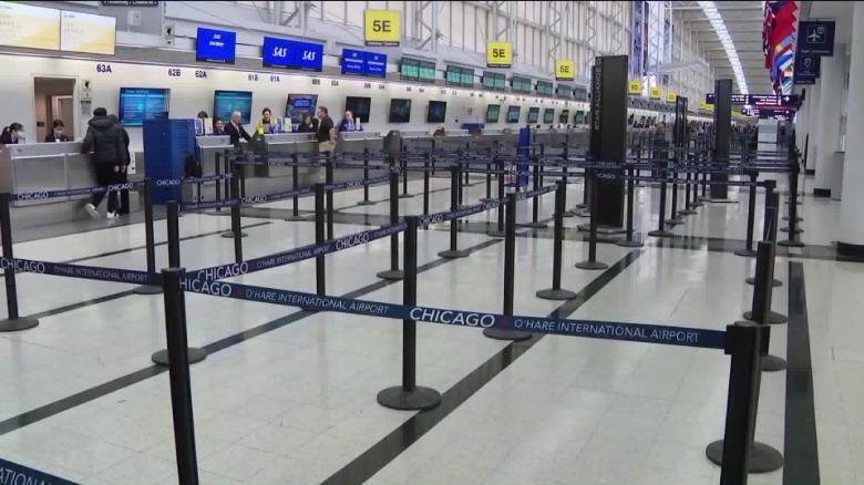 بحران کرونا و صتعت جهانگردی-فرودگاه خالی از مسافر