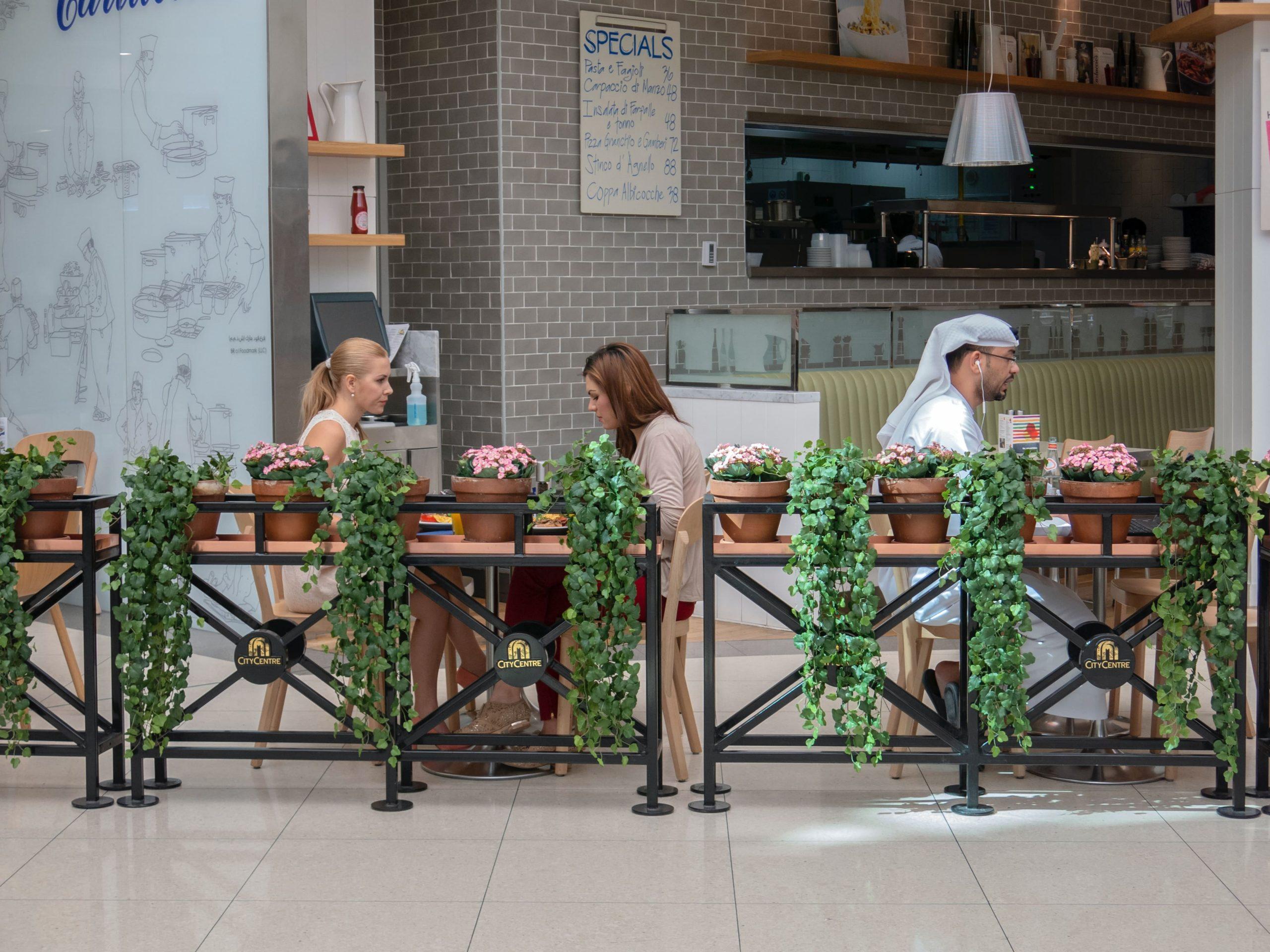 در سفر به عمان صرف غذا در رستورانهای عمانی تجربه ایی به یاد ماندنی است
