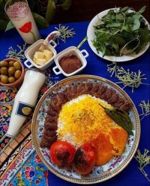 سرو چلوکباب ایرانی در رستورانهای ایرانی در عمان