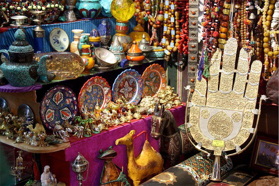 خرید از یکی از بازارهای معروف عمان بنام بازار مطرح مسقط