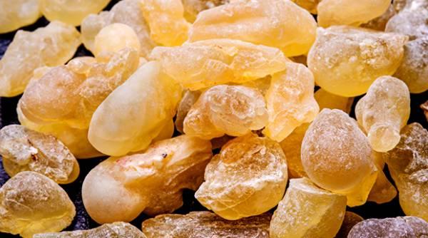 کندر از سوغاتیهای معروف عمان و نماد فرهنگ این کشور