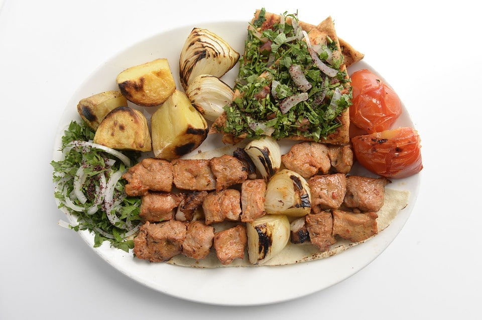 غذاهای لذیذ عمانی با طعم منحصر بفرد در سفر به عمان