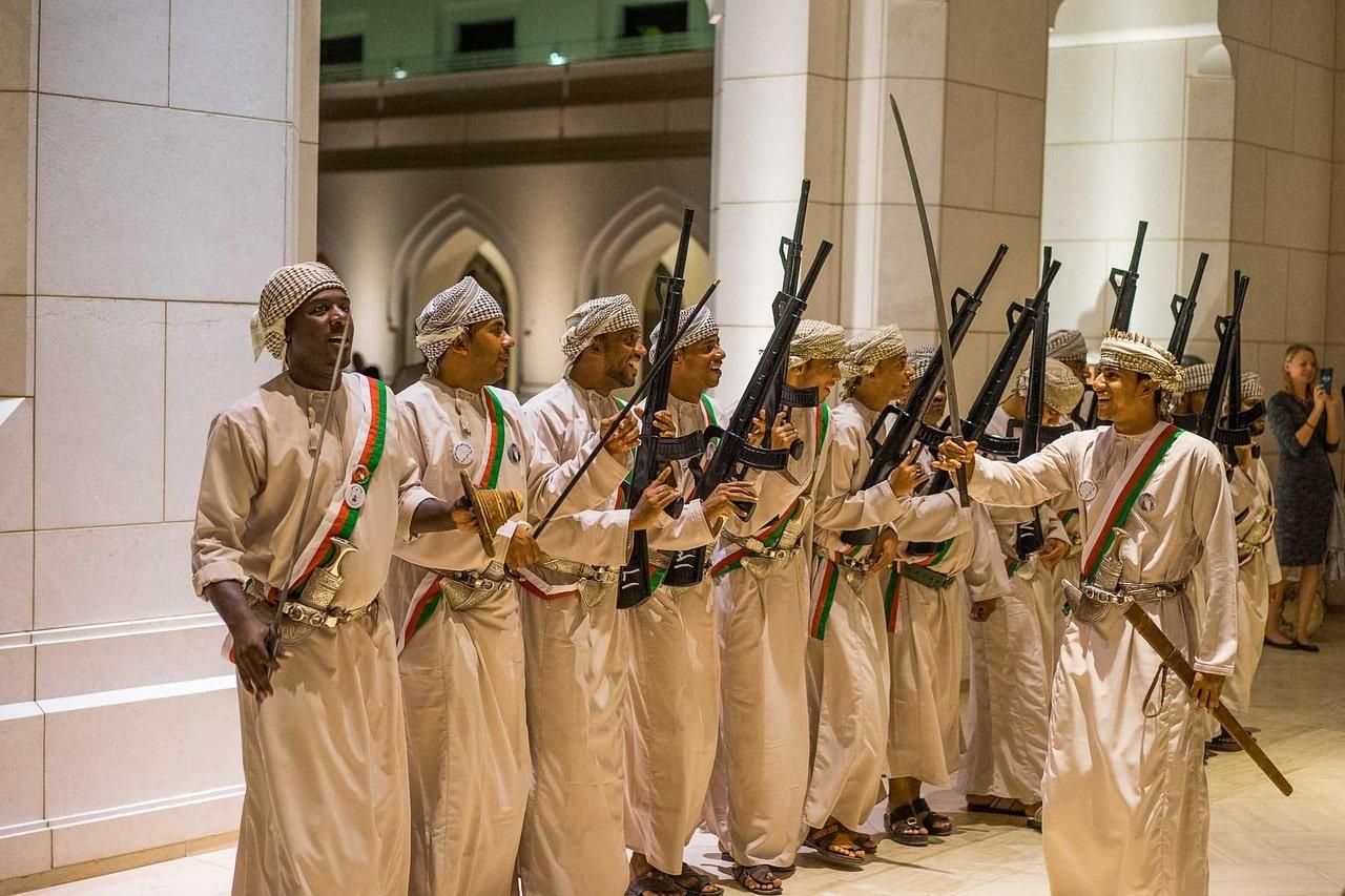 مراسم سنتی مردان عمانی به عنوان فرهنگ مردم عمان