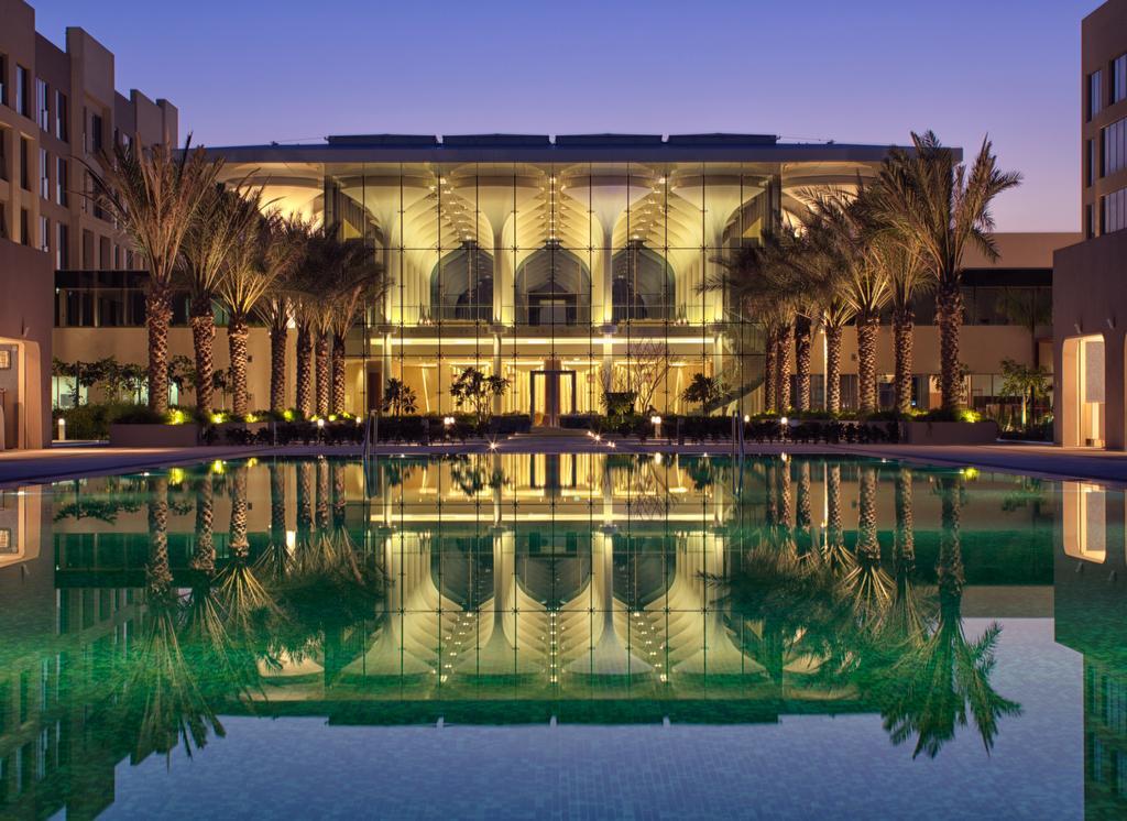 نمایی زیبا از هتل کمپینسکی مسقط